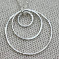 SWOON GENERATIONS 3 RING NECKLACE