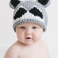 THE BLUEBERRY HILL ROSCOE RACCOON KNIT HAT