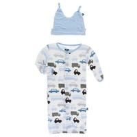 KICKEE PANTS PRINT LAYETTE GOWN CONVERTER & KNOT HAT SET IN NATURAL CARS & TRUCKS