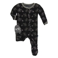 KICKEE PANTS PRINT FOOTIE WITH SNAPS IN BOY MIDNIGHT BIKES