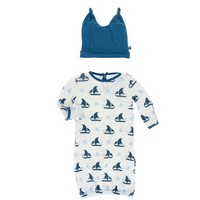 KICKEE PANTS PRINT LAYETTE GOWN & DOUBLE KNOT HAT SET IN NATURAL SAILBOAT