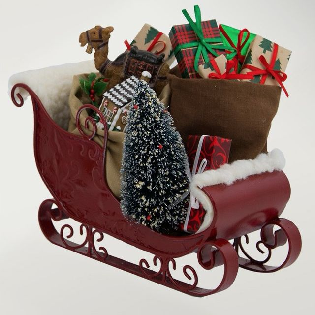BYERS SLEIGH FILLED WITH TOYS