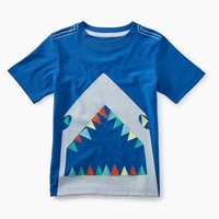 TEA GREAT WHITE GRAPHIC TEE