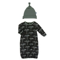 KICKEE PANTS PRINT LAYETTE GOWN & SINGLE KNOT HAT SET IN ZEBRA ACACIA TREE