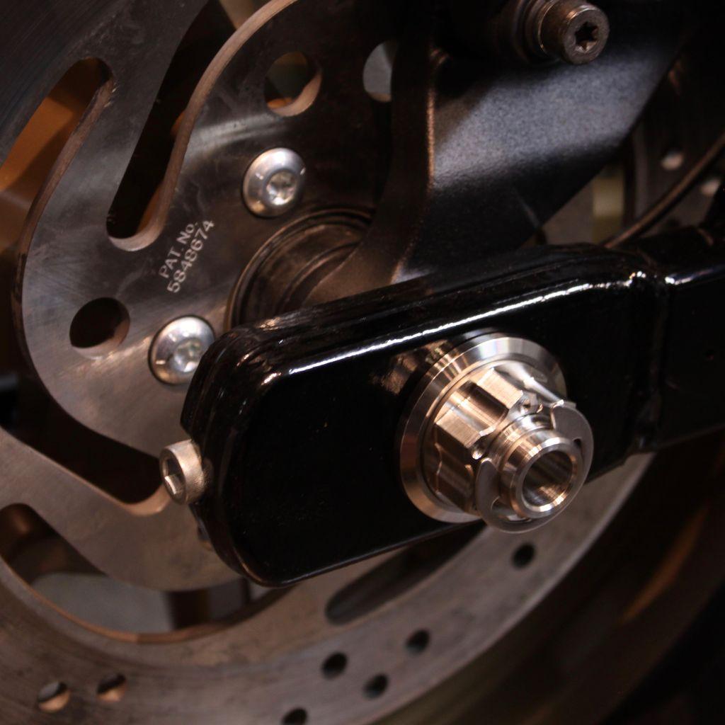 MJK Original Parts Dyna 25mm Rear Axle w/nuts (Appr$225USD)