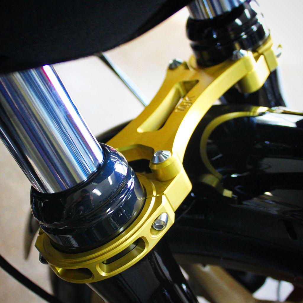 MJK Original Parts Fork Brace - Dyna 49MM Mid Glide Only ($255 USD approx)