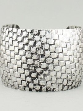 Metal Hammered Cuff Silver