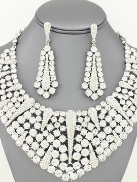 Large Collar Necklace Set