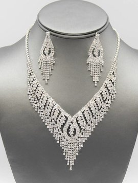 ANGELINA CRYSTAL COLLAR NECKLACE