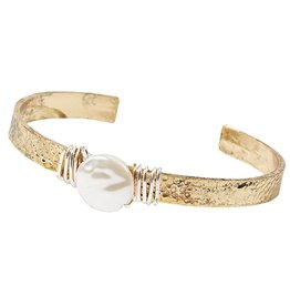 Twos Company Hammered Wire Pearl Cuff Bracelet 11418-20-GOLD Twos Company
