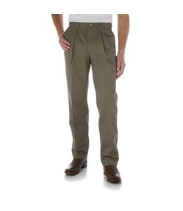 Wrangler Casuals Pleated Front Riata® 0095SE
