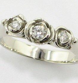 Signature Rose Diamond White Gold Ring, Trieste Roses II