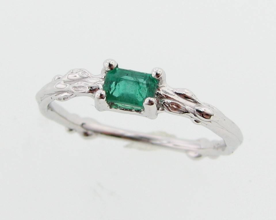 emerald ring v e three hexa y valani products tilt quarter jewellery atelier