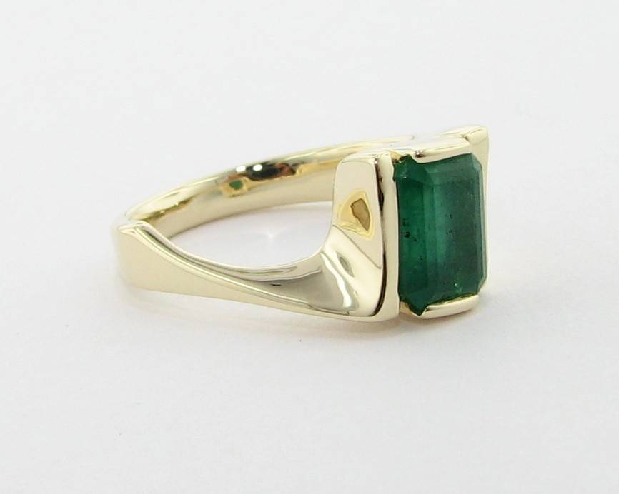 Sleek Yellow Gold Emerald Ring, Galaxy