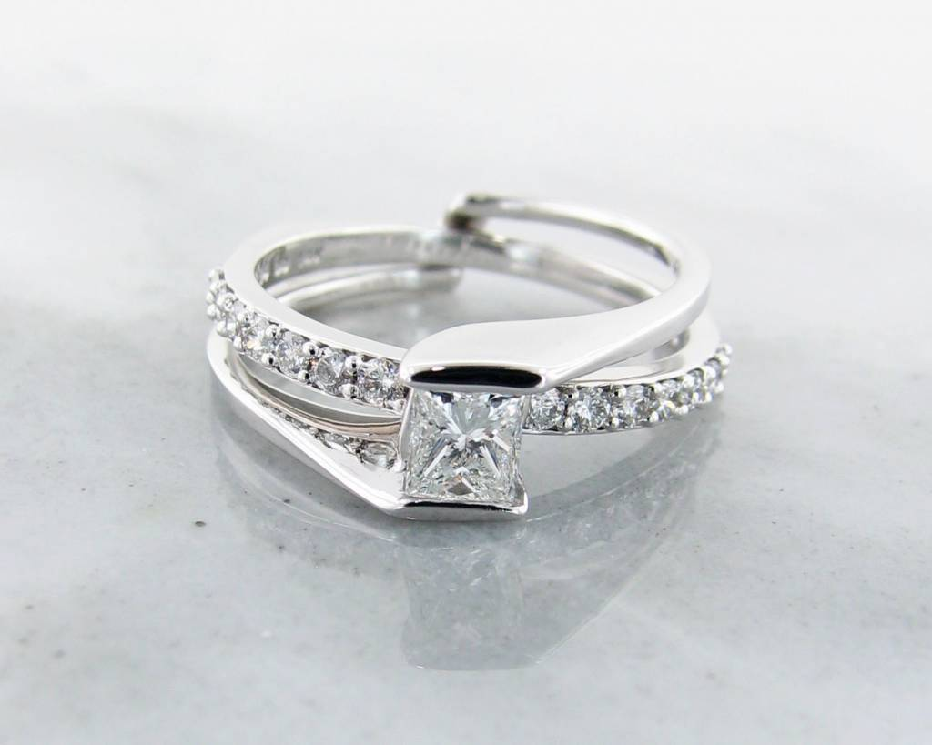 Trending Bridal Diamond White Gold Wedding Ring Set Interlocking