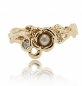 Signature Rose Yellow Gold Golden Pearl Ring, Rose Garden