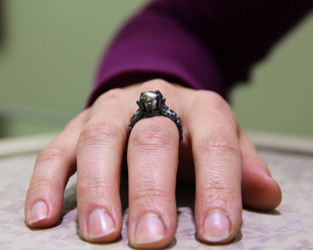 Victorian Vintage Black Pearl Silver Ring, Victorian