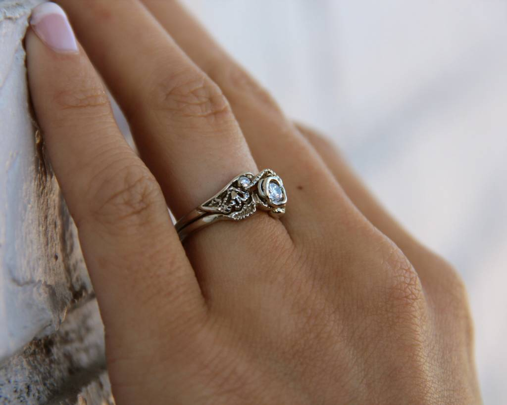 Signature Rose Diamond Gold Wedding Set Lacy Tea