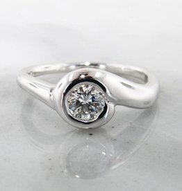 Motion White Gold Diamond Ring, Smooth Sweep
