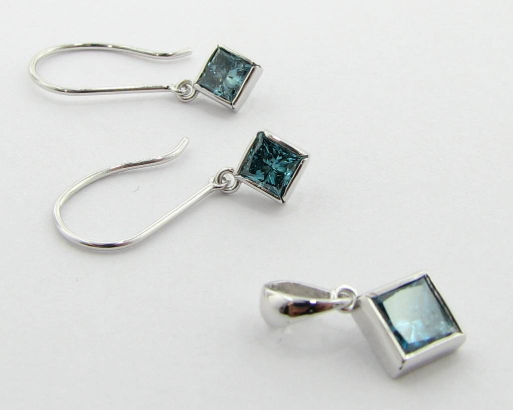 Sleek Blue Diamond White Gold Earrings & Necklace Set
