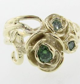 Signature Rose Green Diamond Green Gold Ring, Rose Bouquet