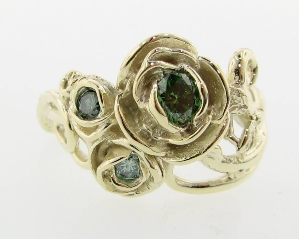 Signature Rose Green Diamond Green Gold Ring, Rose Bouquet