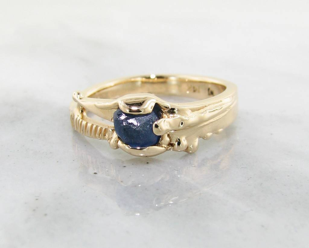 Rustic Raw Blue Sapphire Yellow Gold Ring, Rustica