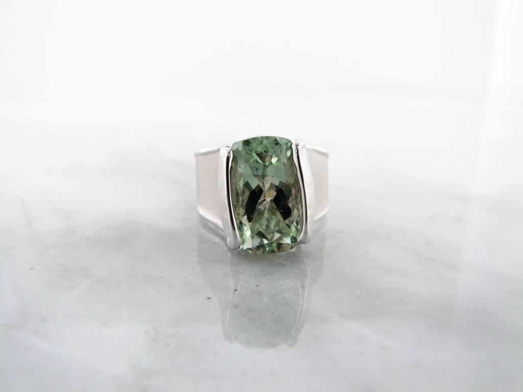 Sleek Green Amethyst Silver Ring, Wall