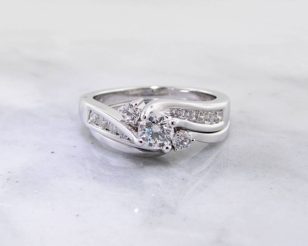 Motion White Gold Diamond Wedding Ring Set, Fitted