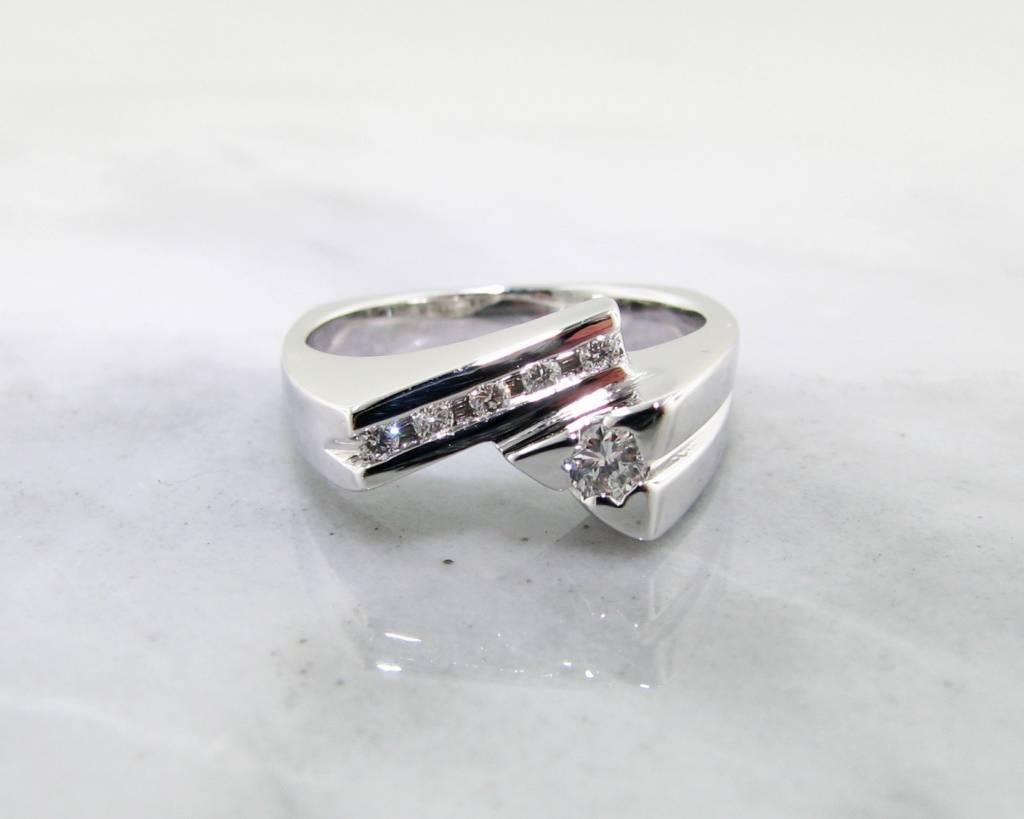 Sleek Diamond White Gold Ring, Geometric Bypass