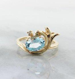 Motion Aquamarine Yellow Gold Ring, Oval Swirl