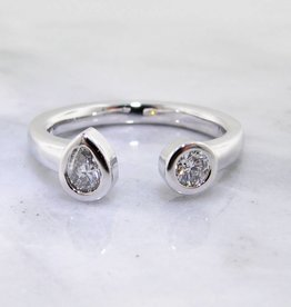 Sleek Diamond White Gold Split Ring