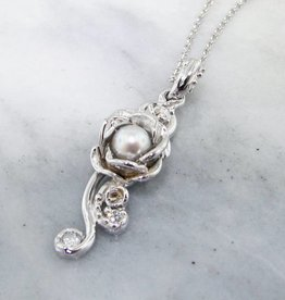 Signature Rose Pearl Silver Necklace, Rose Cascade