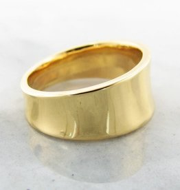 Sleek 22K Yellow Gold Ring, Concave