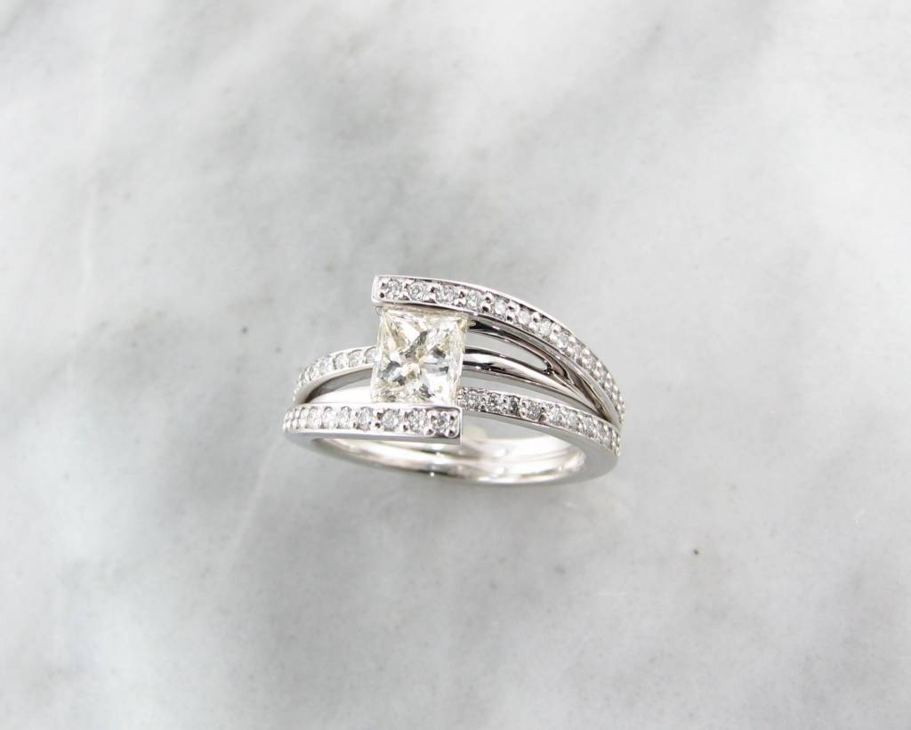 Trending Bridal White Gold Princess Cut Diamond Wedding Ring Holding Treasure