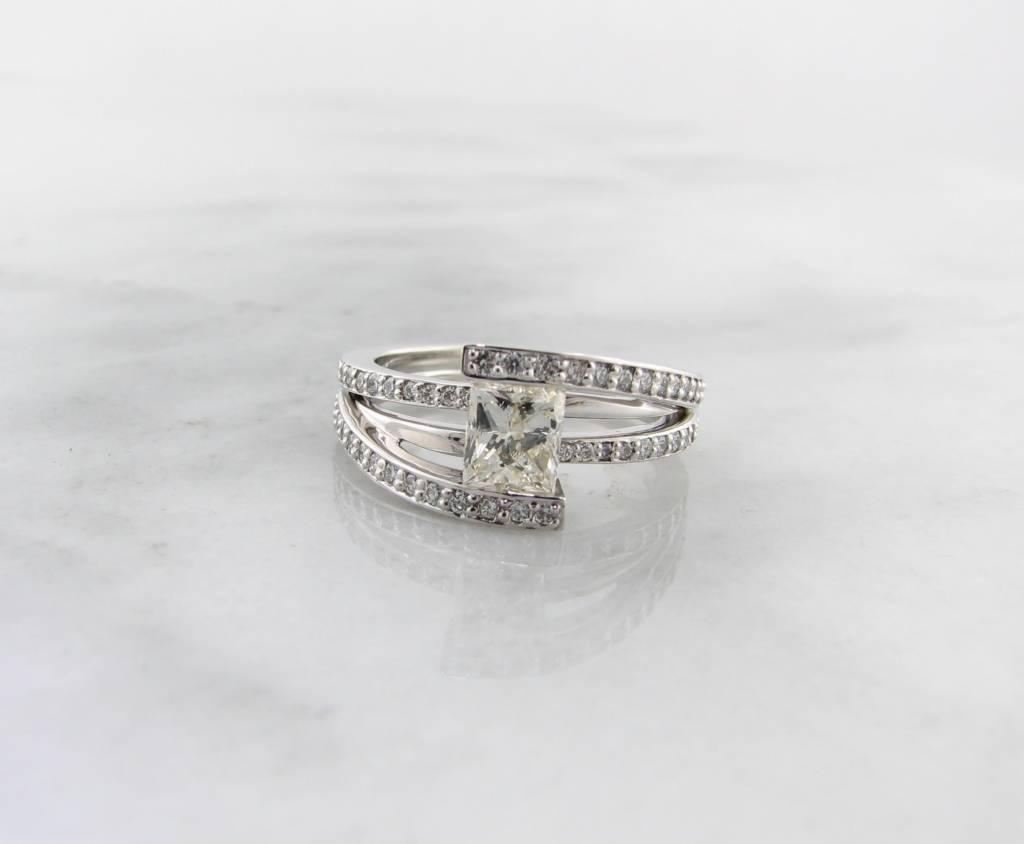 Trending Bridal White Gold Princess Cut Diamond Wedding Ring, Holding Treasure