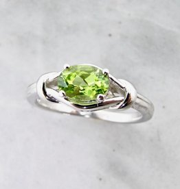 Vintage Peridot Silver Ring, Timeless