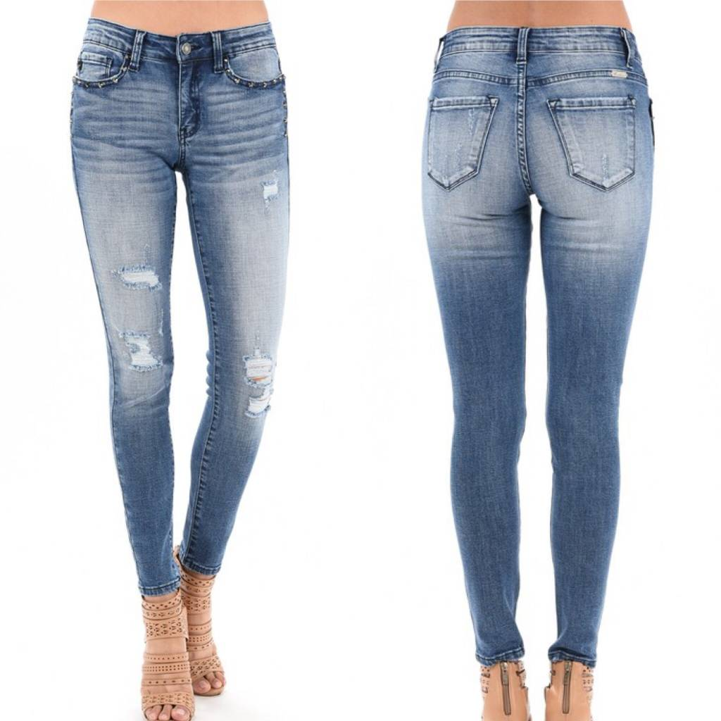 6170 Distressed Jeans