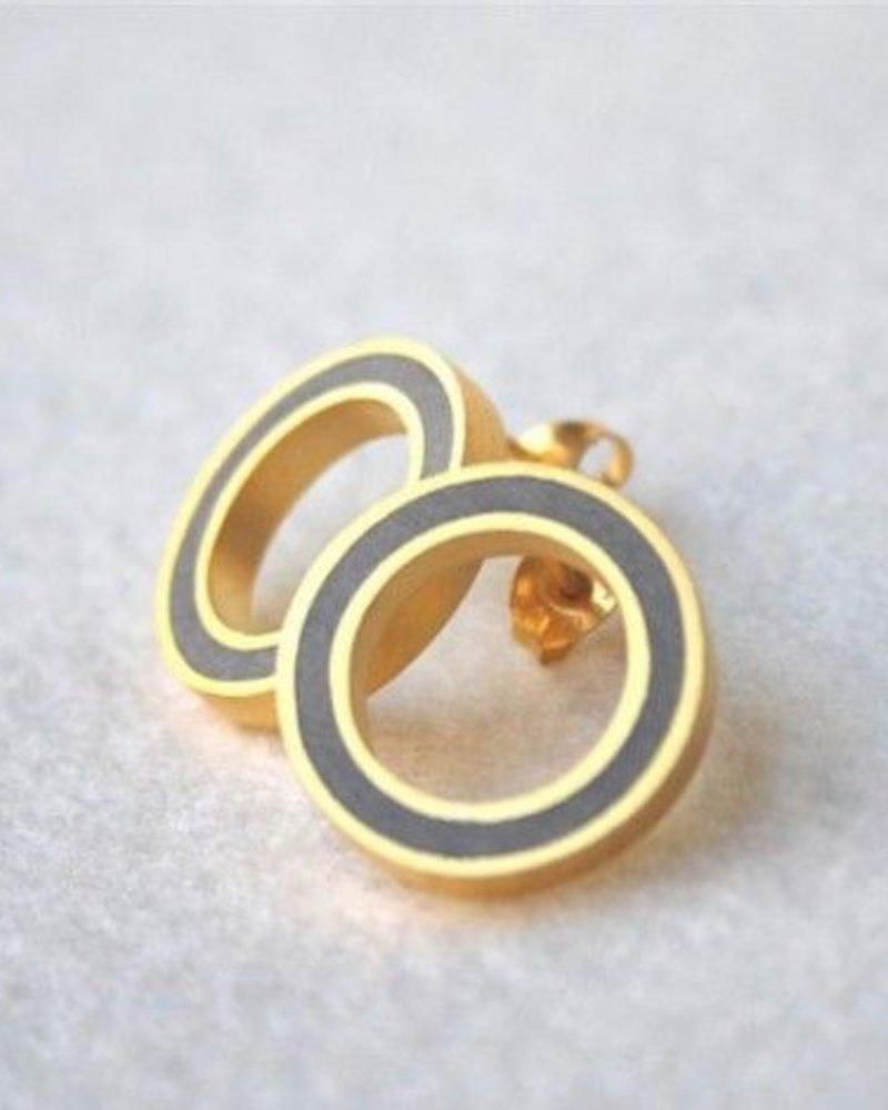 Hadas Shaham, S round button - gold & concrete Earrings