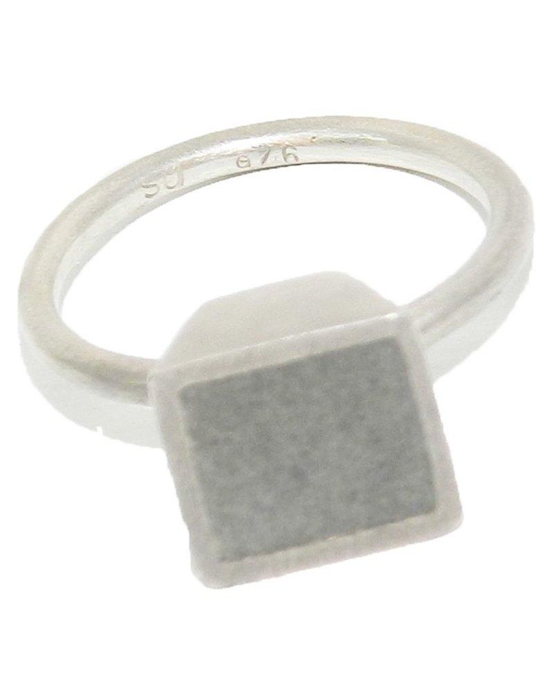 Square Step Dot RingSilver & ConcreteSize 8