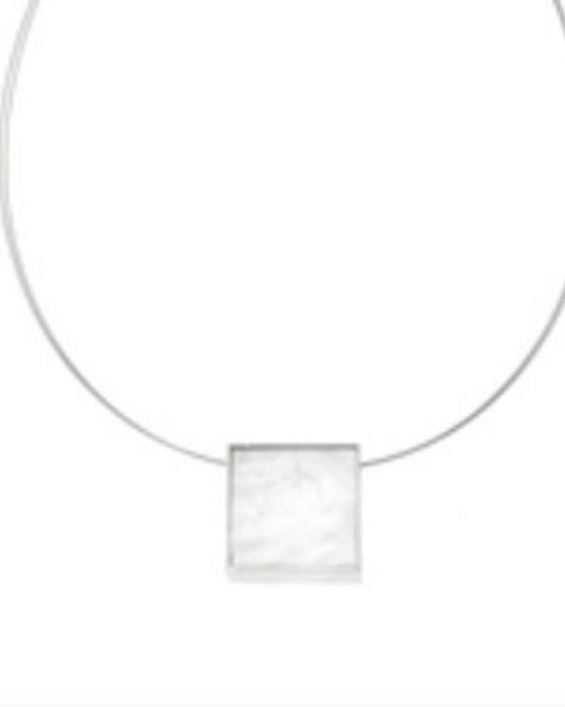 Reversible square resin necklace white/Charcoal