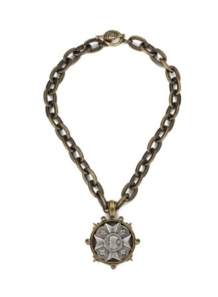 French Kande Lourdes chain with Bravoure medallion
