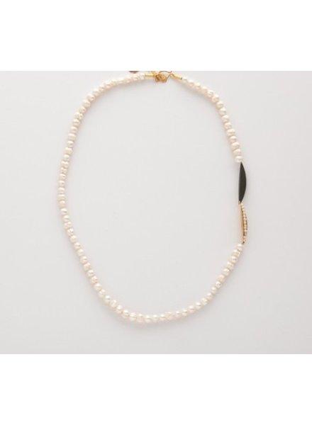 verdigris Pearl pea on aleaf necklace