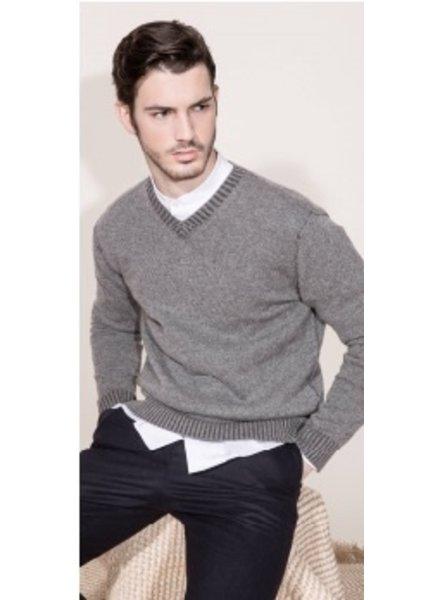 Kokun Plaited v-neck 100% Cashmere sweater