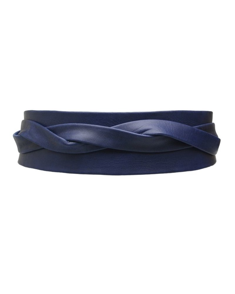 Wrap leather belt in Marine