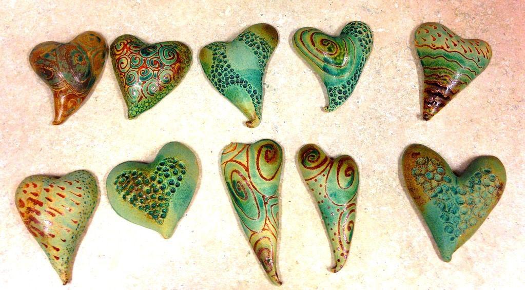 Gail Snively Hearts (Sm, Hangable, #378)