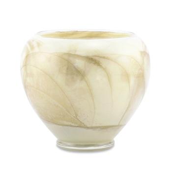 Rare Earth Gallery Esque Candle