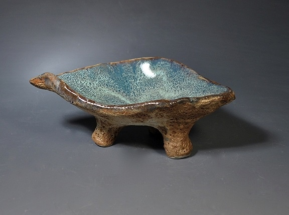 Rare Earth Gallery Dish, Sea (w/legs)