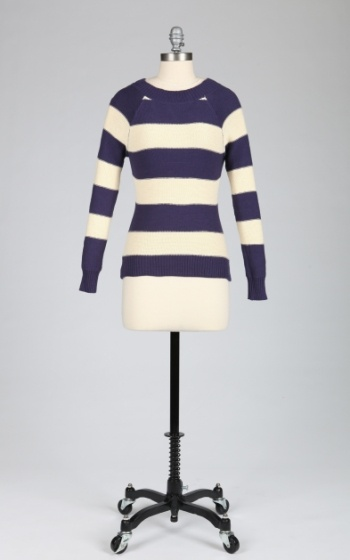 Tulle Tulle Raglan Sleeve Sweater with Keyhole and Tie at Back