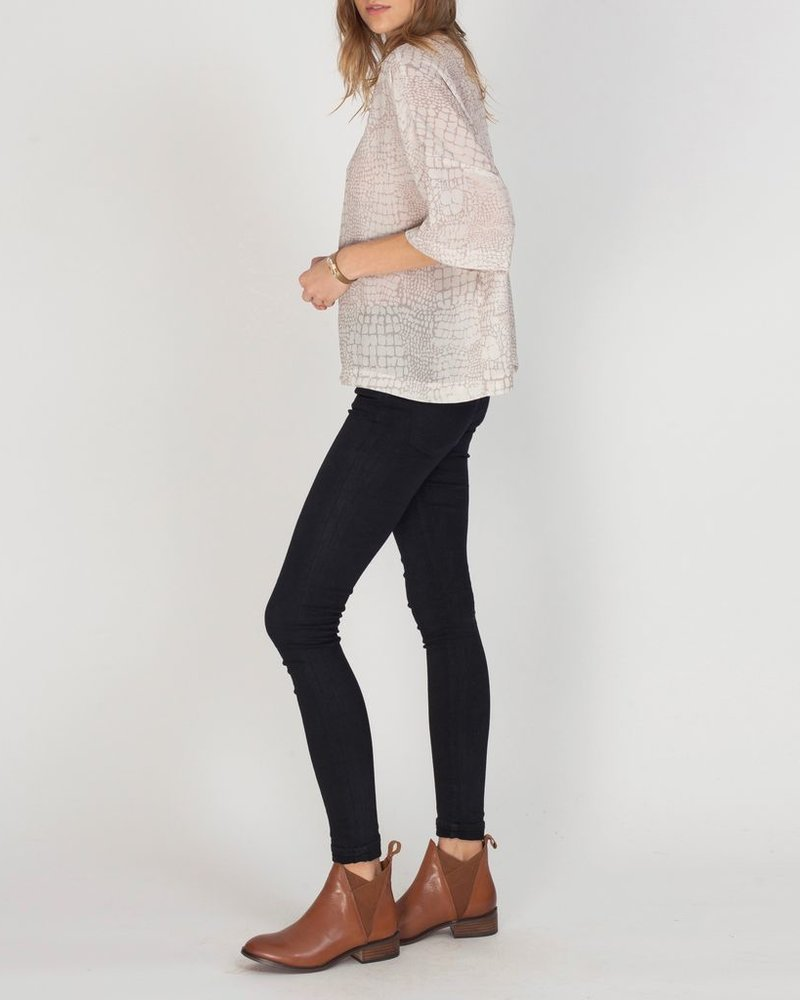 Gentle Fawn Flowy box printed top